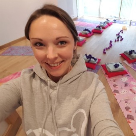 Profile picture of Louise Burchell - YogaBellies Edinburgh - Corstorphine & Sighthill